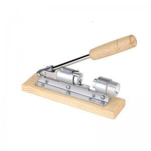 casse noix solide avec manche en bois